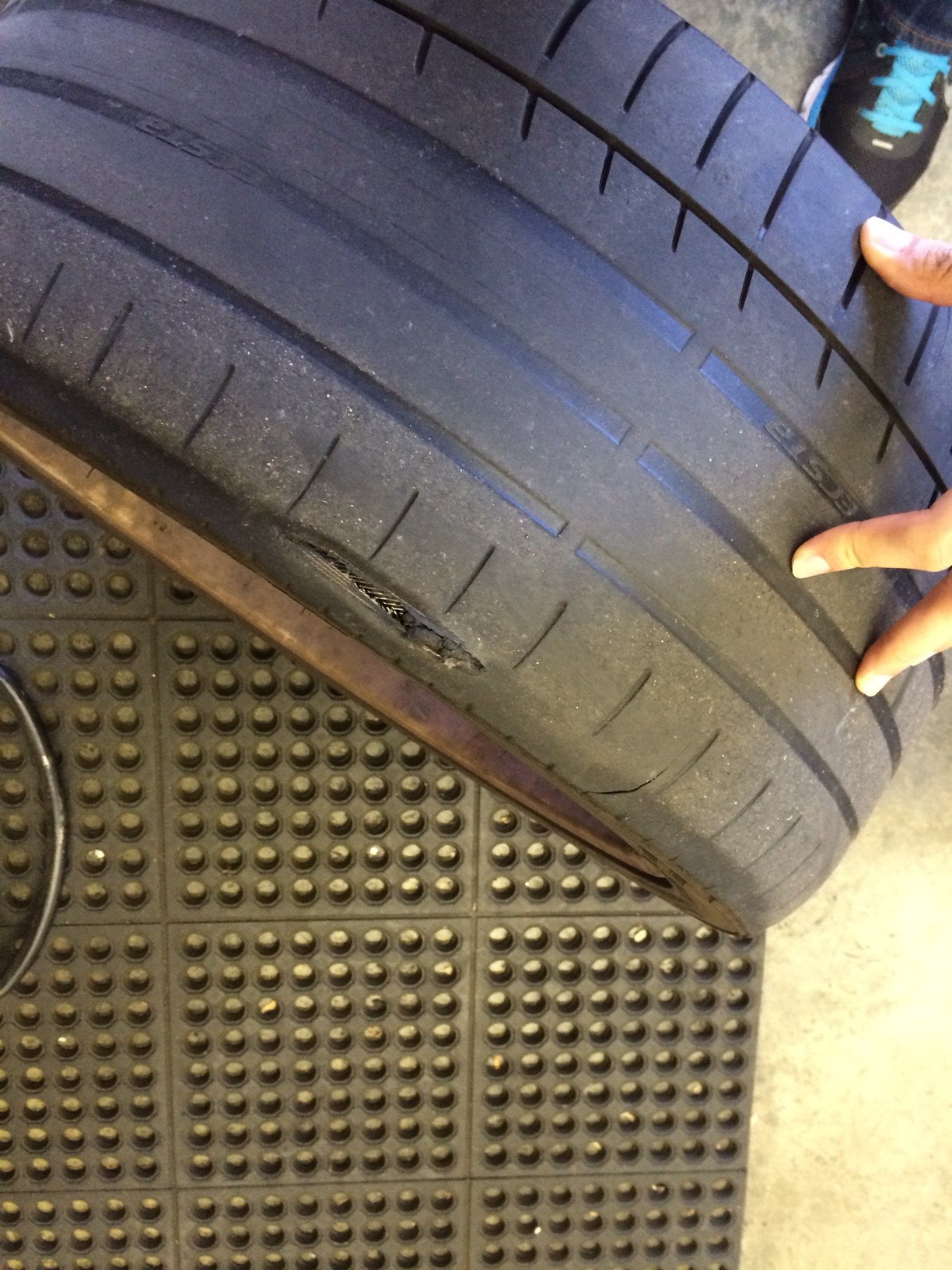 i have been an audi fan for several years  i recently got my first bmw e39   it got a suspension issue  i would like to seek advice on this