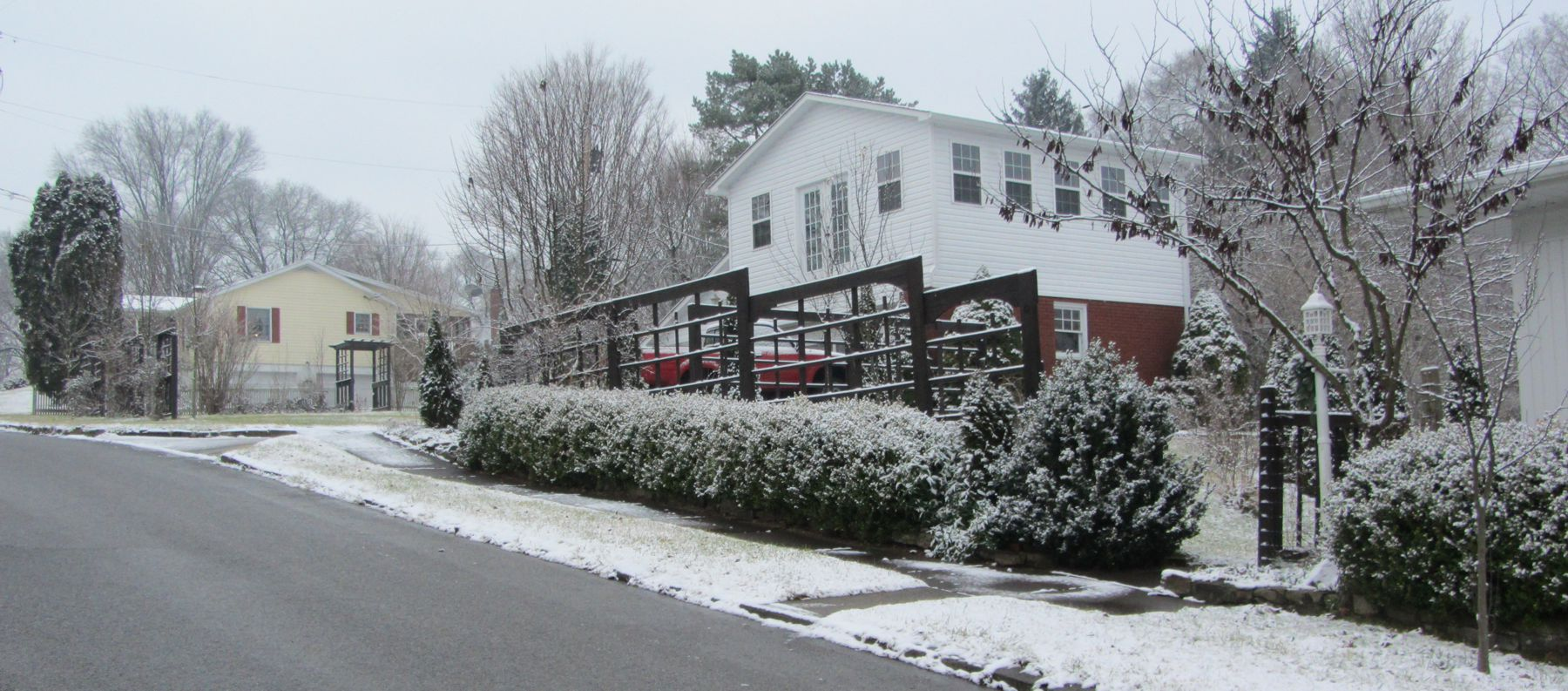 Man Cave - White Christmas 2012 - IMG_0236-small.jpg