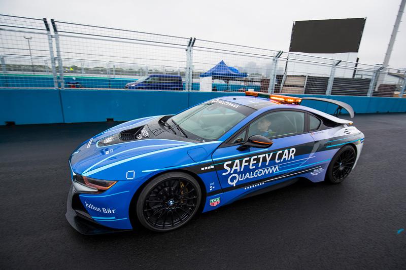 Bmw Premieres New I8 Safety Car Colors For Formula E Bmw Car Club Of America
